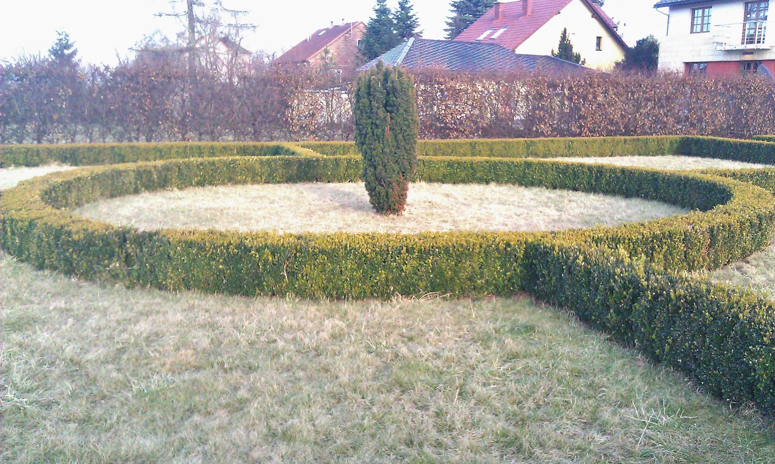 ogród przy zamku